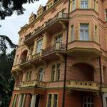 Gyoza-LH- Smetana- Vysehrad-Karlovy- Vary-fasada (7)